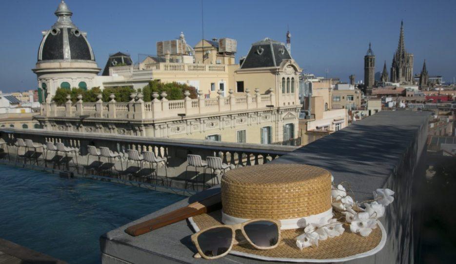 Moda en la azotea Rooftop con vistas del hotel Ohla